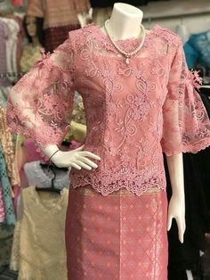 Blouse Batik, Batik Dress, Lace Dress, Kebaya Hijab, Kebaya Dress, Traditional Fashion, Traditional Dresses, Kebaya Modern Dress, Filipiniana Dress