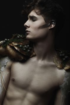 Narcisse by Julie Marie Gene Gobelin Roman Mythology, Greek Mythology, Narcisse Et Echo, Photoshop Photography, Art Photography, Anime Girl Neko, Creative Makeup, Makeup Art, Body Art