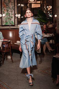 Johanna Ortiz Resort 2019 New York Collection - Vogue Fashion Week, Runway Fashion, High Fashion, Fashion Show, Fashion Design, Poplin Dress, Shirtdress, Vogue, Haute Couture Fashion