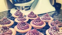Chocolate mince pies recipe - orange zest pastry filled with mince meat n topped with chocolate buttercream Mince Meat, Mince Pies, Homemade Xmas Gifts, Chocolate Buttercream, Orange Recipes, Marzipan, Orange Zest, Desserts, Christmas