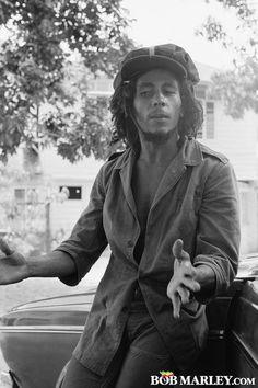 Bob Marley Exclusive Gallery from BobMarley.com