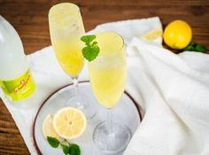 DRINKAR NYÅR Bellini, Cantaloupe, Panna Cotta, Mango, Lemon, Drinks, Ethnic Recipes, Food, Wine