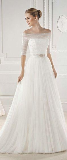 Piękna, lekka i niezwykle kobieca suknia ślubna...