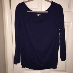 Old Navy top Excellent used condition navy blue top from Old Navy. Size large. Worn a few times Old Navy Tops
