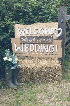 rustic country hay bale wedding decor / http://www.deerpearlflowers.com/rustic-outdoor-wedding-ideas-from-pinterest/