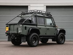 """DEFENDER THOR """"SPECTRE STYLED"""" 110 XS DOUBLE CAB PICK UP/DCPU LEFT HAND DRIVE/LHD (2014 MY/71995) – 35″ - Brittle Motor Group"""