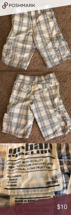 Urban Pipeline Boys size 14 Cargo Shorts In excellent condition from non-smoking home. Boys size 14 Urban Pipeline Bottoms Shorts