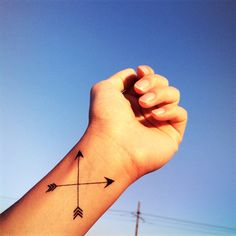 2pcs Cross arrow tattoo - InknArt Temporary Tattoo - wrist quote... (20 DKK) ❤ liked on Polyvore featuring accessories, body art and tattoo