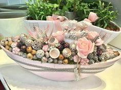 Advent Wreath, Sweet Box, Pink Christmas, Holidays And Events, Flower Decorations, Happy Easter, Flower Art, Centerpieces, Shabby Chic
