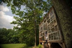 Recycled-Window-House-by-Nick-Olson-and-Lilah-Horwitz-Yellowtrace-04