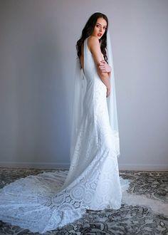 Romantic Bohemian Wedding Dresses, Indie Wedding Dress, Wedding Dress Train, Bohemian Bride, Wedding Dress Styles, Lace Wedding, Emerald Green Wedding Dress, Green Wedding Dresses, Emerald Green Weddings