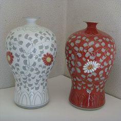 Pattern an chrysanthemum Chinaware Duad / Korean Grey Celadon Pottery / Vase !