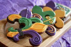 Love these Mardi Gras Fleur De Lis cookies..