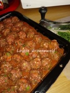 Minced Beef Recipes, Mince Recipes, Ground Beef Recipes, Seafood Recipes, Cooking Recipes, Baked Meatball Recipe, South African Recipes, Cafe Food, Recipe Today