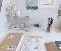 Study Room Decor, Study Rooms, Study Space, Bedroom Decor, Desk Space, Deco Studio, Study Corner, Desk Inspiration, Desk Inspo