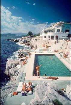 eden roc pool at hotel du cap by slim aarons.