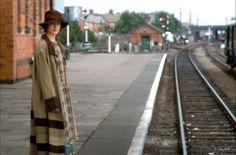Nicole Kidman as Virginia Woolfe in The Hours. Carol Ann Duffy, Bloomsbury Group, Alone In The Dark, Actrices Hollywood, Love Film, Meryl Streep, Nicole Kidman, Period Dramas, Art Of Living