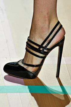 pinterest.com/fra411 - Versus - #shoes