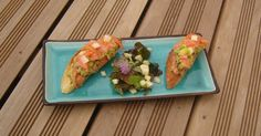 Tartines Avocat relevé Saumon fumé Smoked Salmon Spicy Avocado toasts Le Diner, Tacos, Mexican, Ethnic Recipes, Salmon, Food, Smoking, Salmon Sandwich, Drizzle Cake