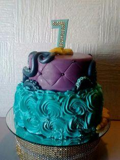 Mi versión de la torta de Uma de los Descendientes de Disney, espero les guste  #jennycabanzo #uma #descendants #cake