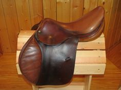 "AVAIL - REDUCED $1,675 ** 2005 Antares 18"" 3AL flap 4.5 tree. Matching calf, Prestige leathers and Sprenger irons. $1,925 for package or $1,775 for just the saddle. Trials welcome!"