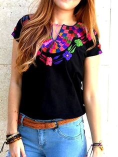 Hermosas Blusas Bordadas A Mano - $ 220.00 Mexican Blouse, Mexican Outfit, Mexican Dresses, Bordado Floral, Mexican Fashion, Casual Outfits, Fashion Outfits, Bohemian Mode, Outfit Trends