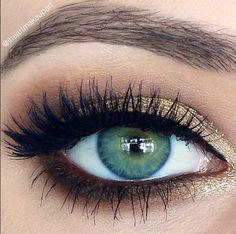 makeup. lashes.