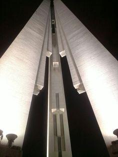 Монумент на набережной