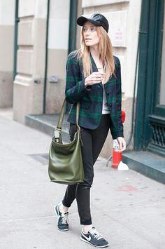 A Gap blazer as featured on the blog Eat Sleep Wear.