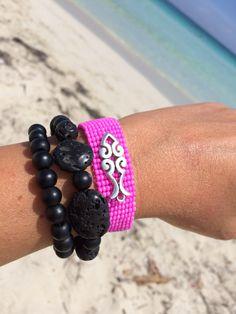 Beadloom bracelet in neon pink! Just for Summer!☀️☀️☀️