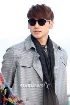 @29rain 14-02-22 Rain @ Incheon International Airport departing to Australia for running man filming