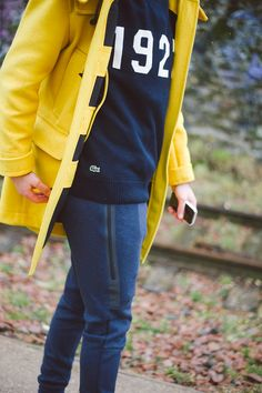 Jogpant Nike, pull Lacoste Live! Duffle coat jaune de chez  Victome A #menswear #mensfashion #menstyle #mode #men #style #clothing #fashion #lifestyle #model #ootd #waywt #mode #trends #dope #style #menclothes #jogpants #nike #lacoste #man #inspiration #fashionblog #male