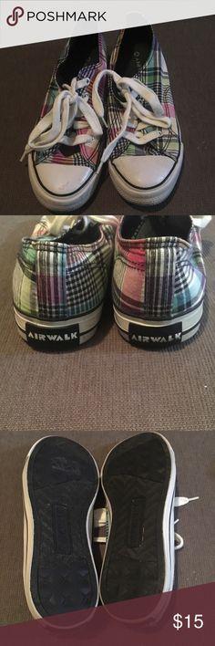 🔥 AIRWALK PLAID SNEAKERS 9 👟 AIRWALK plaid sneakers, size 9, EUC Airwalk Shoes Sneakers