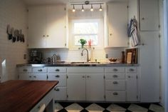 stainless steel countertops kitchen How to Install Stainless Steel Kitchen Countertops 1940s Kitchen, Kitchen Redo, Updated Kitchen, Green Kitchen, Kitchen Ideas, Vintage Kitchen, Kitchen Carts, Kitchen Island, Faux Granite