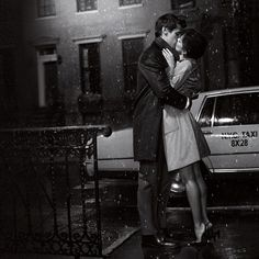 NYC kiss in the rain