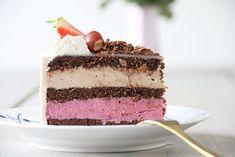 Opskrift på syndig fødselsdagslagkage med solbær og nougatmousse Mousse, Cook N, Sugar Pie, Let Them Eat Cake, Amazing Cakes, Vanilla Cake, Tiramisu, Sweet Tooth, Sweets