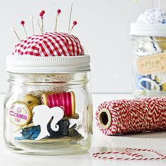 DIY:  Make a Sewing Kit in a Mason Jar  @Helen Rowles Thought this was for you. :)
