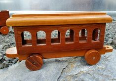 Pieza de madera tren depósito sólo 4 hecho para usted | Etsy Woodworking Courses, Woodworking School, Cool Woodworking Projects, Diy Projects, Wooden Toy Cars, Wood Toys, Locomotive, Trains, Clear Plastic Containers