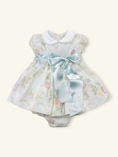 Ralph Lauren offers luxury and designer men's and women's clothing, kids' clothing, and baby clothes. Baby Girl Fashion, Kids Fashion, Ralph Lauren, Beautiful Baby Girl, Baby Princess, Baby Sewing, Baby Dress, Baby Kids, Kids Outfits