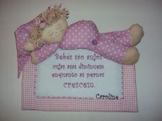 Panô personalizado para porta de maternidade e quarto do bebê!! www.saldaterrapatchwork.blogspot.com facebook: Renata Deichsel
