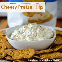 New Rold Gold Pretzel Thins Giveaway and Cheesy Pretzel Dip (Real Mom Kitchen) Appetizer Salads, Cheese Appetizers, Appetizer Recipes, Cheese Recipes, Cottage Cheese Dips, Cream Cheese Dips, Cracker Dip Cream Cheese, Cheddar Cheese, Pretzel Thins