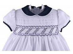 Image result for vestidos smock Punto Smok, Smocking Patterns, Embroidery Patterns, Smocks, Smoking, Heirloom Sewing, Fabric Manipulation, Smock Dress, Dressmaking
