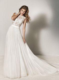 Featured: Pronovias wedding dress; www.pronovias.com