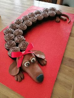 You will love these Pull Apart Cupcake Cakes and we have rounded up the best ideas that are easy to make and look great. Pull Apart Cupcake Cake, Pull Apart Cake, Dog Cupcakes, Cupcake Cakes, 3d Cakes, Flower Cupcake Cake, Horse Cupcake, Fancy Cakes, Cute Cakes