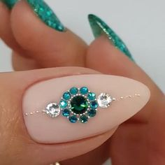 I hope everyone can enjoy these nail designs and share them with your friends, give them inspiration, and let them say goodbye to ordinary nail art. Rhinestone Nails, Bling Nails, Fun Nails, Acrylic Nail Designs, Nail Art Designs, Acrylic Nails, Coffin Nails, Nagel Bling, Nails Design With Rhinestones