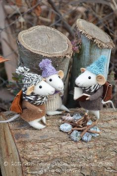 Felt mice in knitted jumpers!