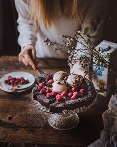 Sweet Desserts, No Bake Desserts, Vegan Desserts, Delicious Desserts, Vegan Recipes, Dessert Recipes, Vegan Baking, Vegan Food, Piece Of Cakes