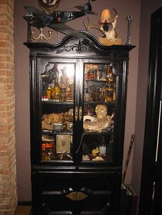 now i know what to do with all my curiosities and treasures