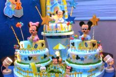D' Glori: Classic Disney Characters Cake