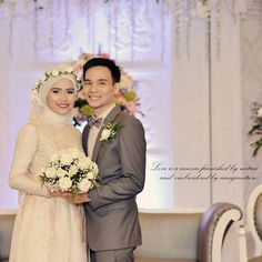 It talks about taste  #makeup #hijab #hijabstyle #gown #weddinggown #weddingdress #hijabwedding #mymakeup #beauty #mua #makeupartistjakarta #makeupartist #jakarta #wedding #decor #pelaminan #minimalis #weddingsuit by susenci